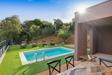 Luxury villa with pool at the heart of the bush in Porticcio - Welkeys