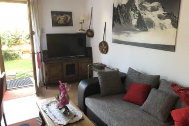 Coté salon, TV 50 Pouces, Chaines-Hifi