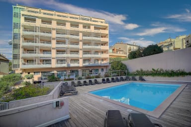 IMMOGROOM - 2 min from the beaches - A/C- Swimming pool -CONGRESS/BEACHES