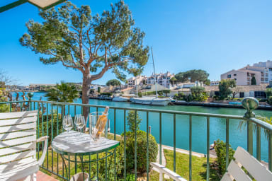 Unique apartment with a beautiful view on the Giscle in Grimaud - Welkeys