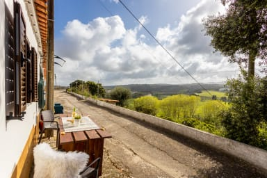 Lovely mountain view cottage in historical town of Aljezur