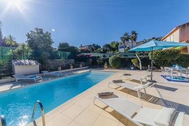 Collines Golfe Juan: Superbe villa 3 chambres, terrasses aménagées piscine