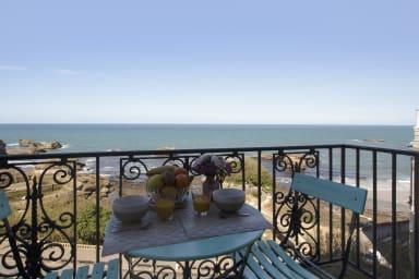 Joli studio avec vue sur mer & balcon au coeur de Biarritz - Welkeys