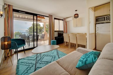 IMMOGROOM- Renovated- Large terrace- Sea view- Parking- CONGRESS-BEACHES