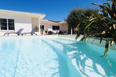 Superbe maison avec piscine aux portes de Bordeaux