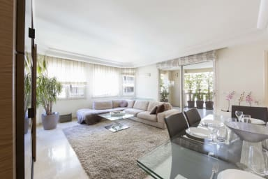 3 bedroom apartment in the hear of Cannes with AC and a parking spot