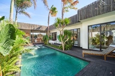 NEW! Tropical design, Private Villa, 3 BR, Umalas w/ staff