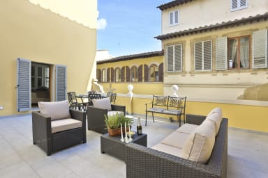 DESIGN APARTMENT in the heart of Florence-hosted by Sweetstay