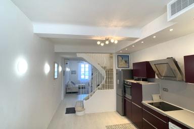 Maison de ville de 100m², cœur de la vieille ville d'Antibes, rénovée