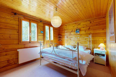Apartment in a chalet in Evolène, family friendly and cosy.