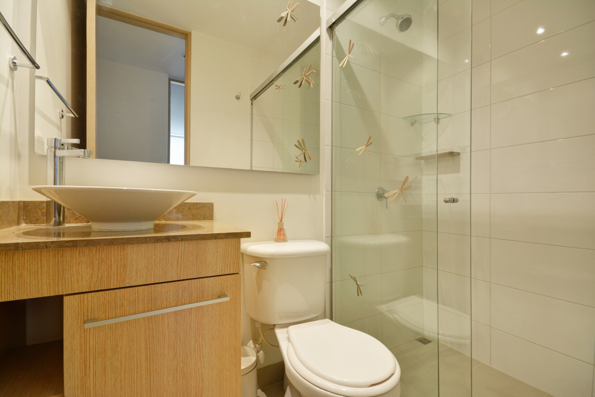 Menta luxury 2b 2ba pool location in poblado for H g bathrooms brookvale