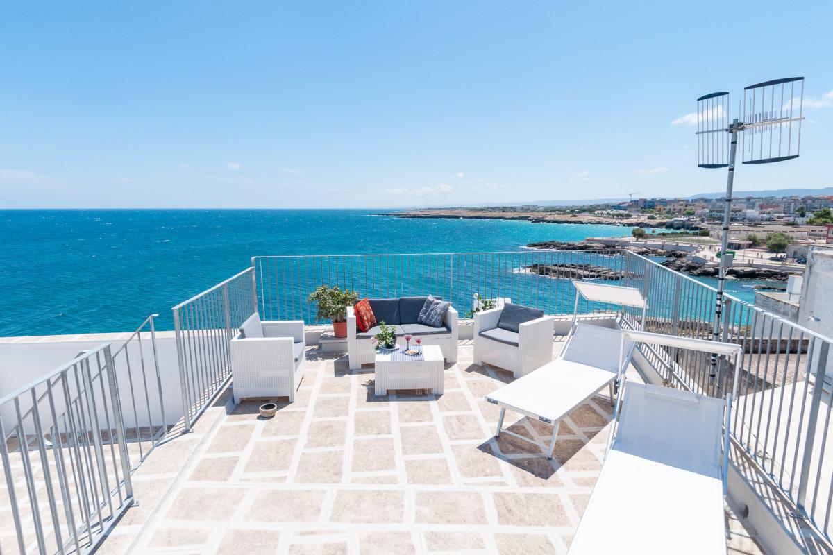 Casa a Monopoli con terrazza vista mare