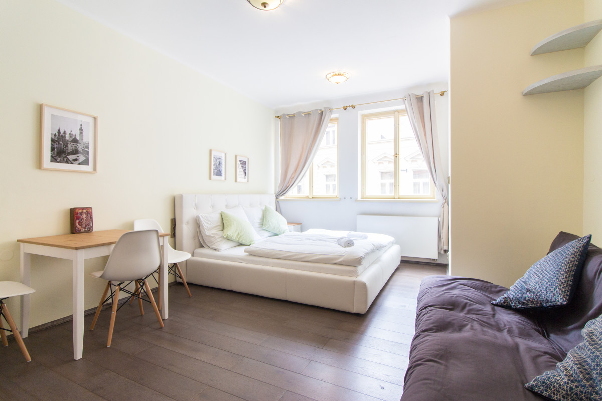 Charles Bridge Studio Apartment in Historical Prague by easyBNB photo 5789894