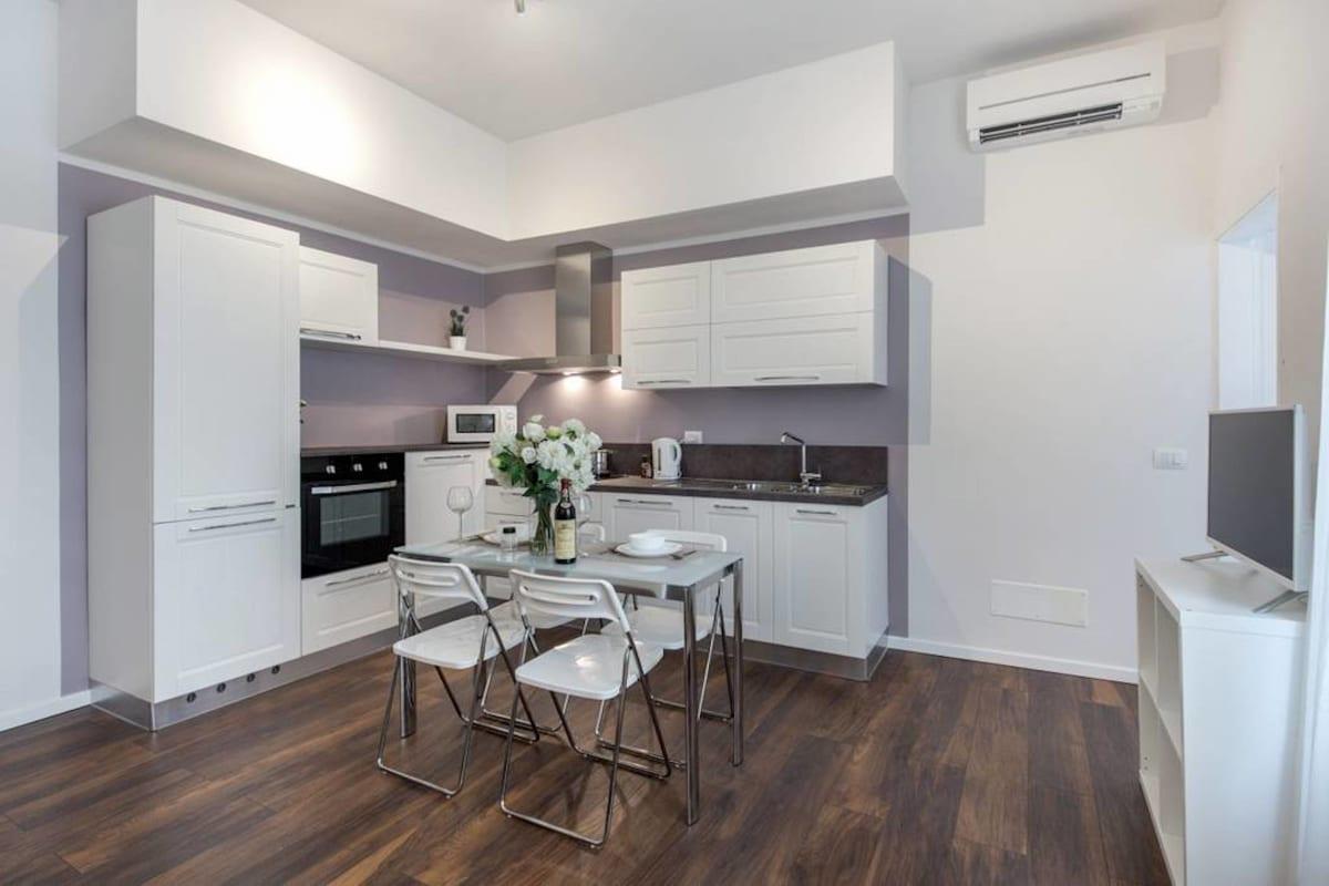 Apartment Cozy   Bright Top Floor Flat by Santo Spirito photo 20442898