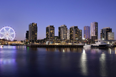 Book accommodation in Docklands