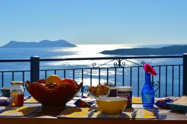 Villas Balcony, 2 swimming pools, calm and sea to infinity.