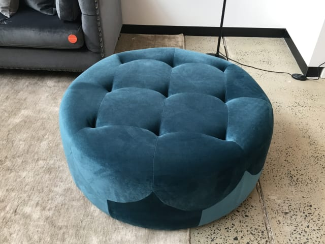 Marque large round ottoman peacock teal 03
