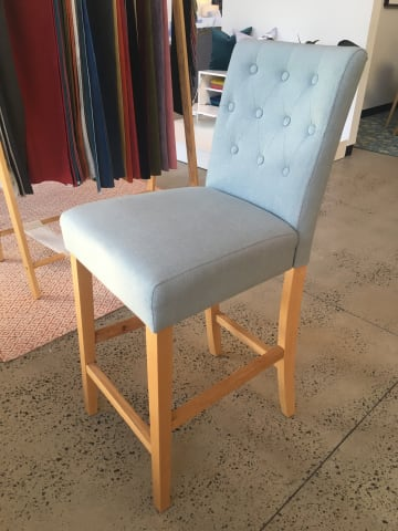 Espen bar stool porcelain blue w natural solid beech