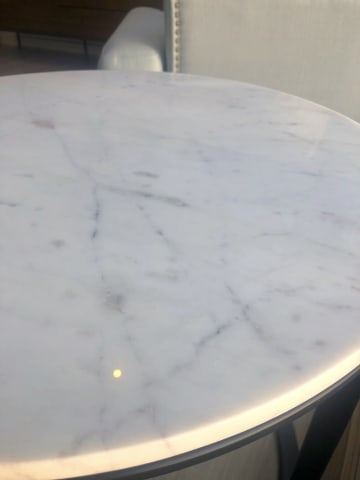 Huber end table white banswara marble w black 04