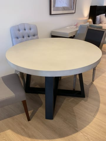 Marin round dining table 01