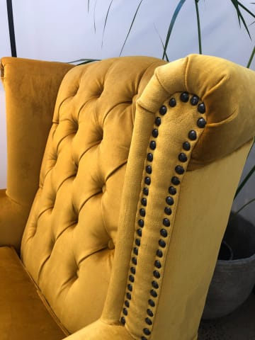 Nottage armchair yellow gold 02