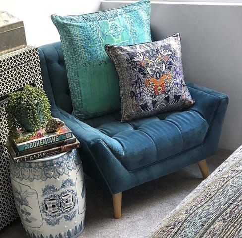 Pia armchair peacock teal 01
