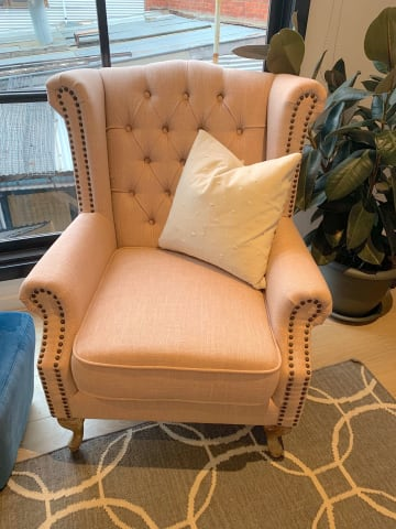 Nottage armchair rose tan 01