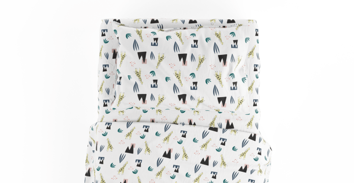 The Very Tall Giraffe Kids Standard Sheet Set