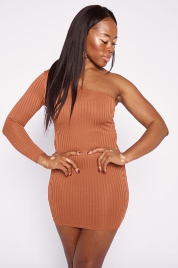 CAYDEN CAMEL RIBBED ONE SHOULDER BODYCON DRESS