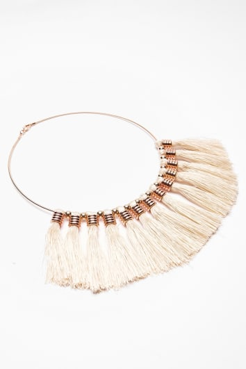 CREAM TASSEL NECKLACE