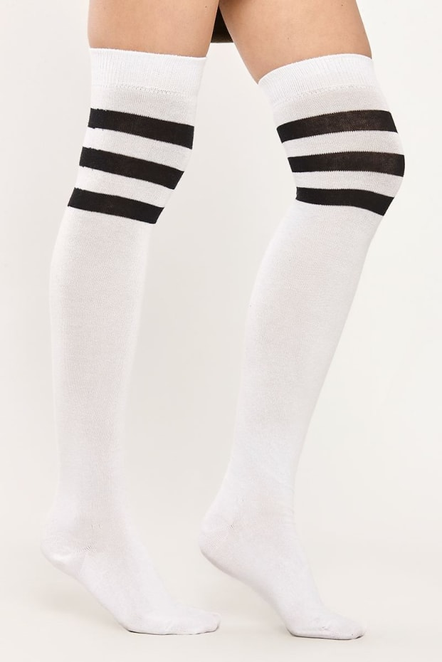 SPORTY WHITE STRIPED OVER THE KNEE SOCKS