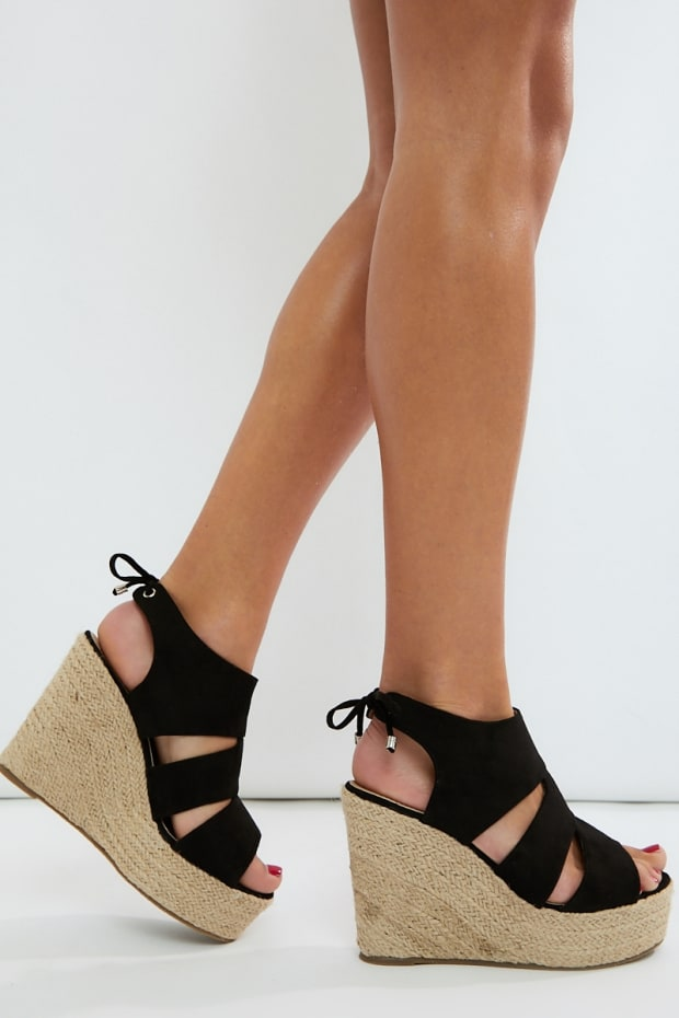 HINDIA BLACK FAUX SUEDE CUT OUT DETAIL WEDGES