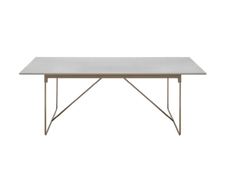 Mingx: Table available in different sizes and finishings