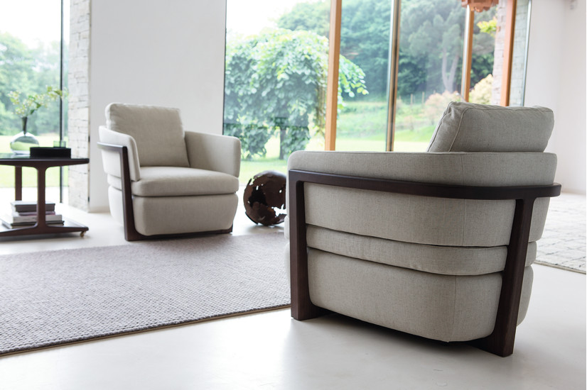 Arena: Armchair upholstered in different materials