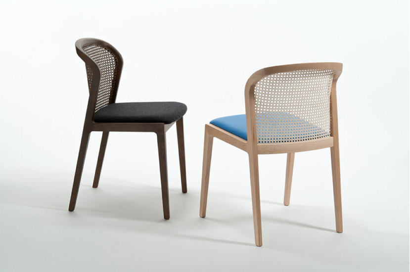 Vienna: Chair in beech stained Canaletto with seat in different fabrics