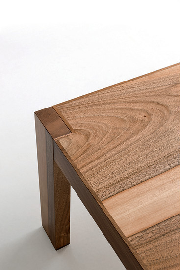 Claude: Side and coffee table available in different finishings