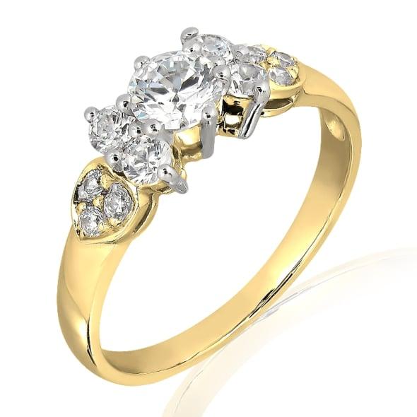 แหวนทอง 18K ประดับเพชร น้ำหนักรวม 0.40 กะรัต ค่าสี E ค่าความสะอาด VS1