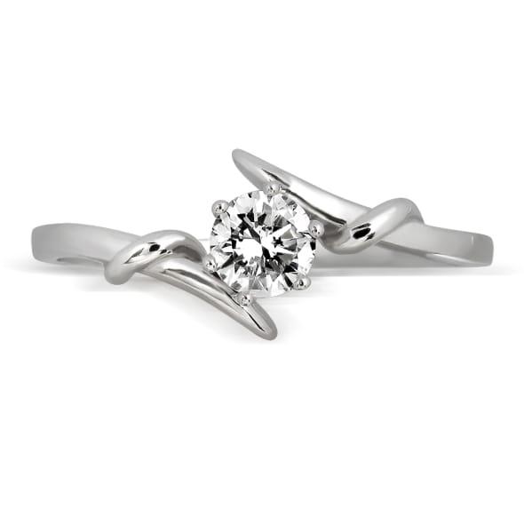 แหวนทอง 18K ประดับเพชร น้ำหนักรวม 0.40 กะรัต ค่าสี E ค่าความสะอาด VS1 EX/EX/EX เพชรมาพร้อมใบรับรองจากสถาบัน GIA