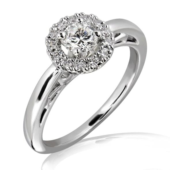แหวนทอง 18K ประดับเพชร น้ำหนักรวม 0.50 กะรัต ค่าสี D ค่าความสะอาด VVS2 EX/EX/EX เพชรมาพร้อมใบรับรองจาก GIA