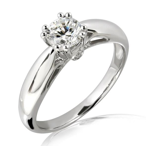 แหวนทอง 18K ประดับเพชร น้ำหนักรวม 0.50 กะรัต ค่าสี E ค่าความสะอาด VS1 EX/EX/EX เพชรมาพร้อมใบรับรองจากสถาบัน GIA