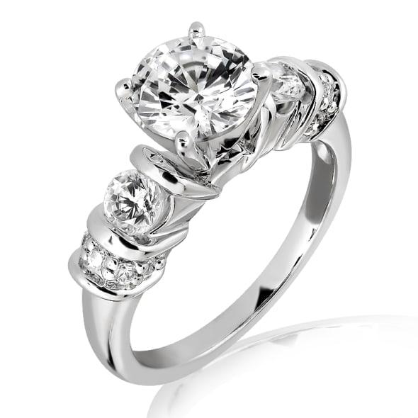แหวนทอง 18K ประดับเพชร น้ำหนักรวม 0.90 กะรัต ค่าสี D ค่าความสะอาด VVS2 เพชรมาพร้อมใบรับรองจากสถาบัน GIA