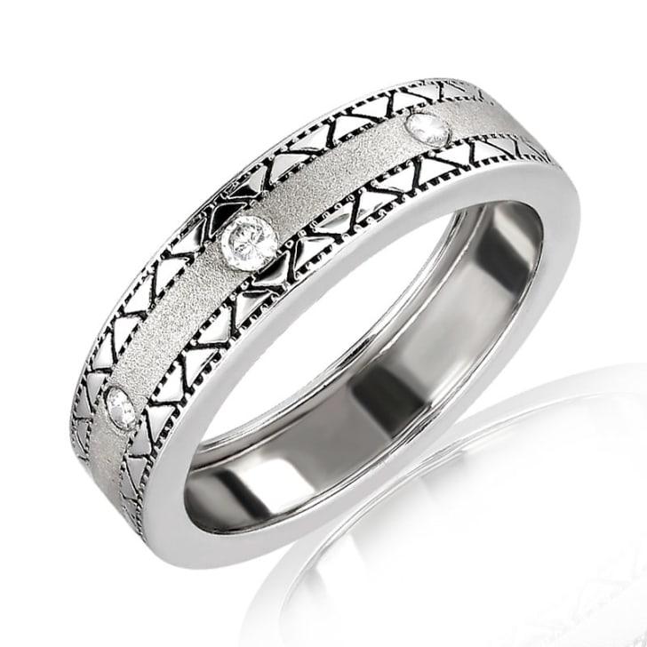 แหวนเพชรหมั้นหญิง ทอง 18K ประดับเพชร น้ำหนักรวม 0.20 กะรัต ค่าสี F ค่าความสะอาด VS