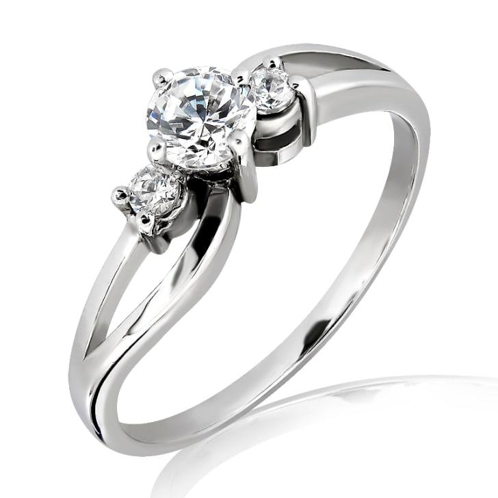 แหวนทอง 18K ประดับเพชร น้ำหนักรวม 0.40 กะรัต ค่าสี E ค่าความสะอาด VS2