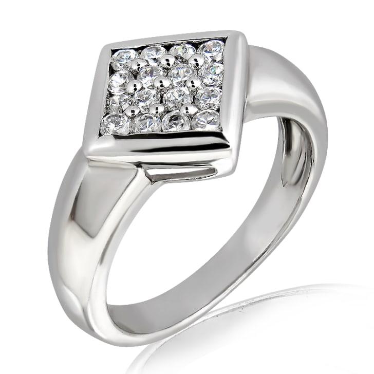 แหวนทอง 18K ประดับเพชร น้ำหนักรวม 0.25 กะรัต ค่าสี E ค่าความสะอาด VS