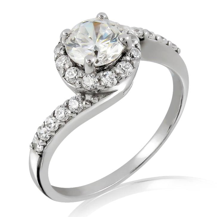 แหวนทอง 18K ประดับเพชร น้ำหนักรวม 0.80 กะรัต ค่าสี D ค่าความสะอาด VS2 เพชรมาพร้อมใบรับรองจากสถาบัน IGL