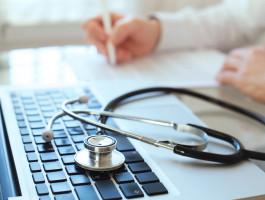 Onlinekurs patientenkommunikation anyaberkut adobestock 94616623mbvwhp