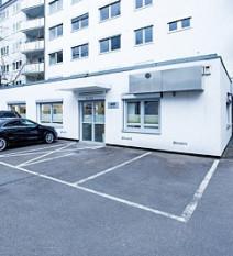 Parkpl tze der zahnarztpraxis p  tomovic in frankfurt minmdcy5r