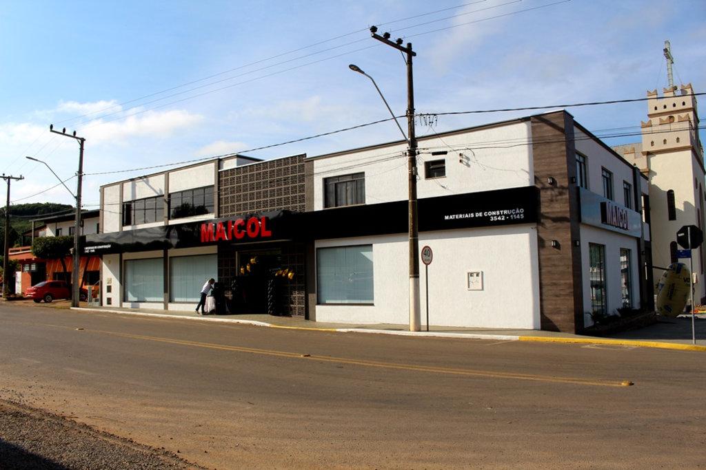 23430e0d2f40c Informe Publicitário · Maicol Materiais de Construção escreve nova página  de sua história e reinaugura loja em Erval Velho ...