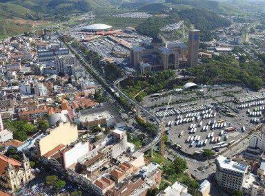 Peregrinos deixaram complexo do Santuário Nacional repleto no dia 12 de outubro