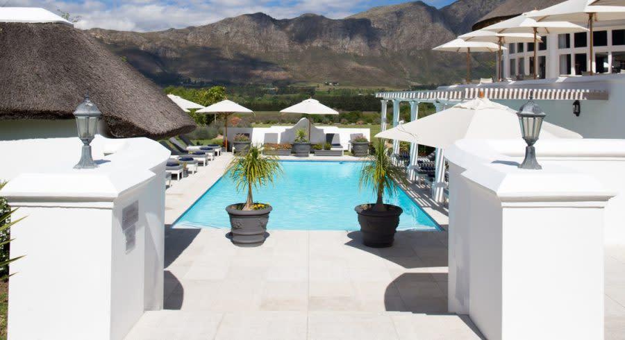 Pool des Hotels Mont Rochelle in Südafrika